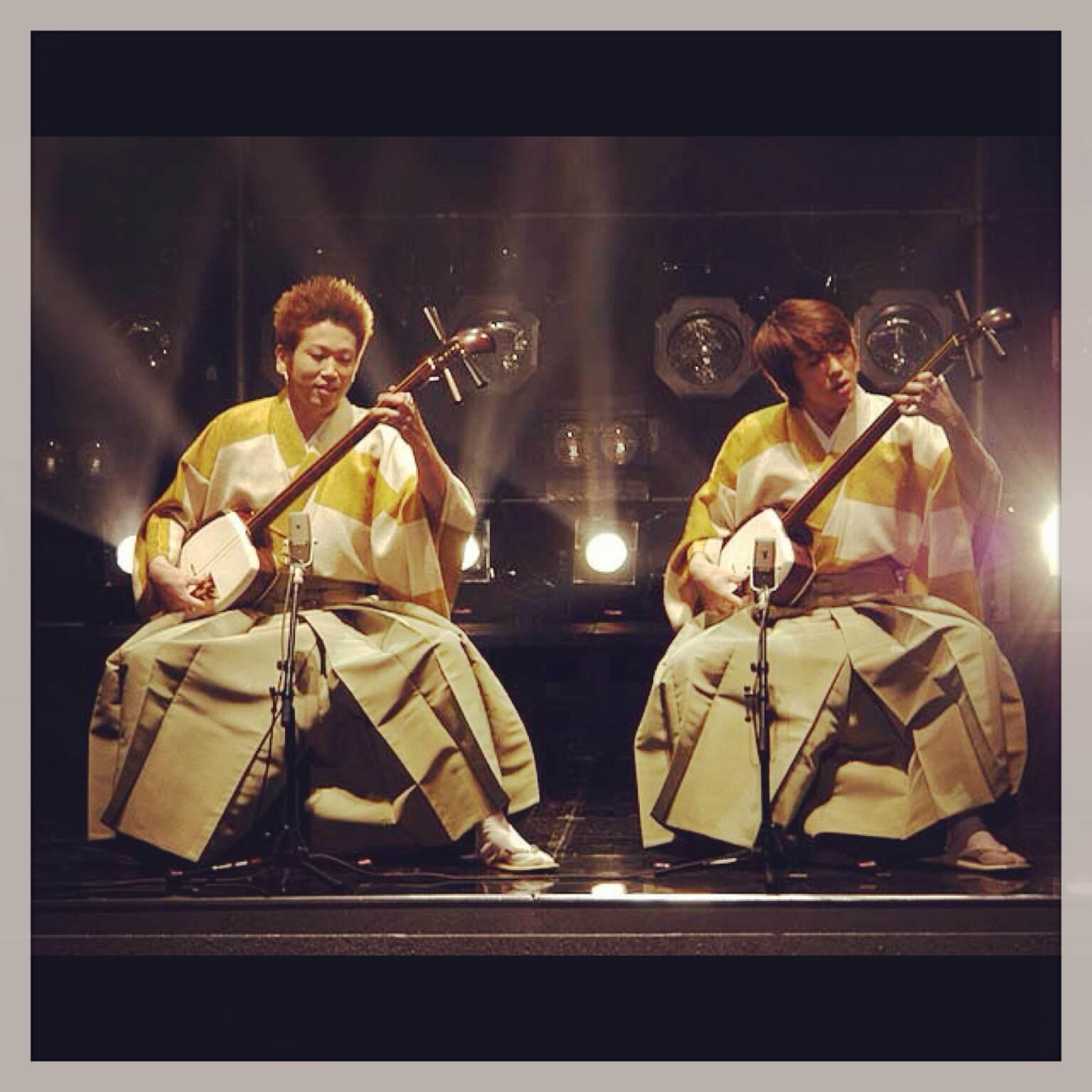 Yoshida Brothers au shamisen